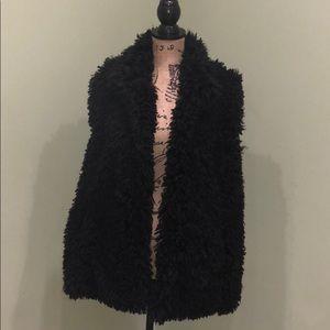 Katie Todd black faux fur vest. Size: L
